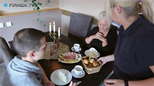 Filmreportage zu Pflegedienst & Seniorenbetreuung HEUTE Café DAMALS